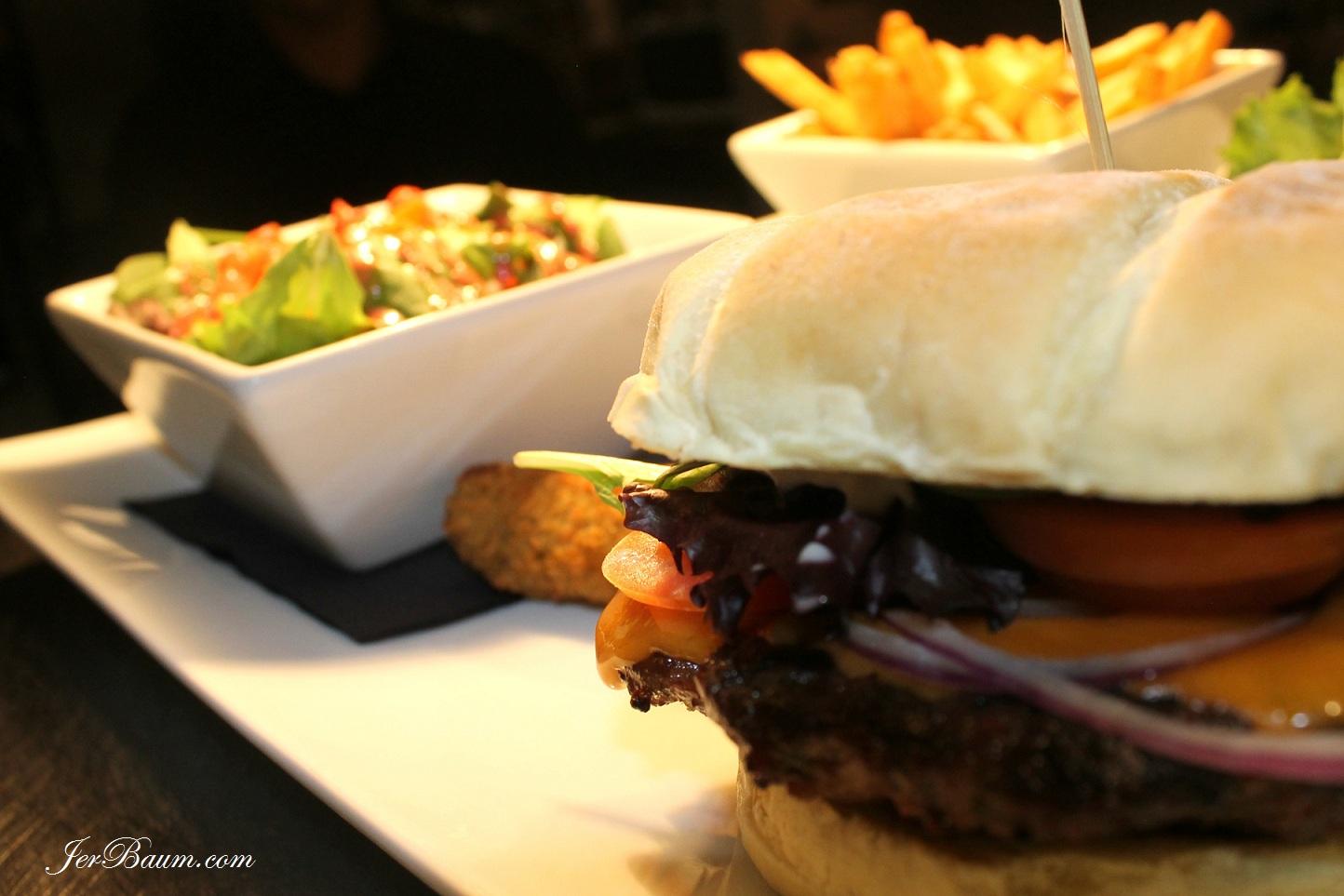 Rolands Beef Burger